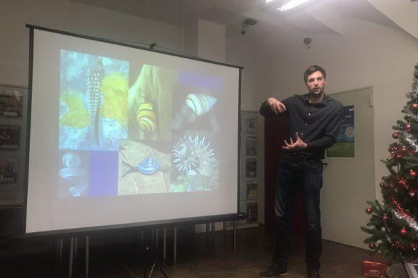 Predavanje o morskih školjkah Jana Simiča