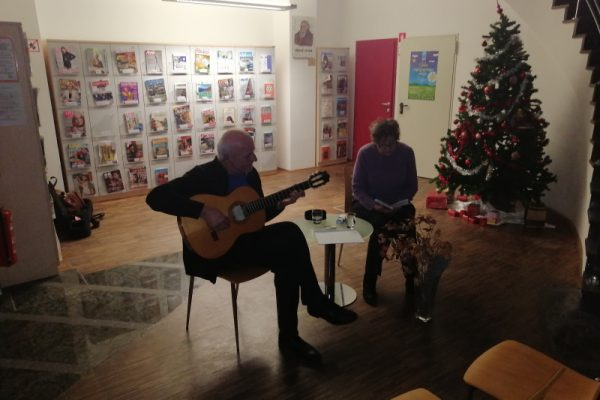 Pesniško-glasbeni večer